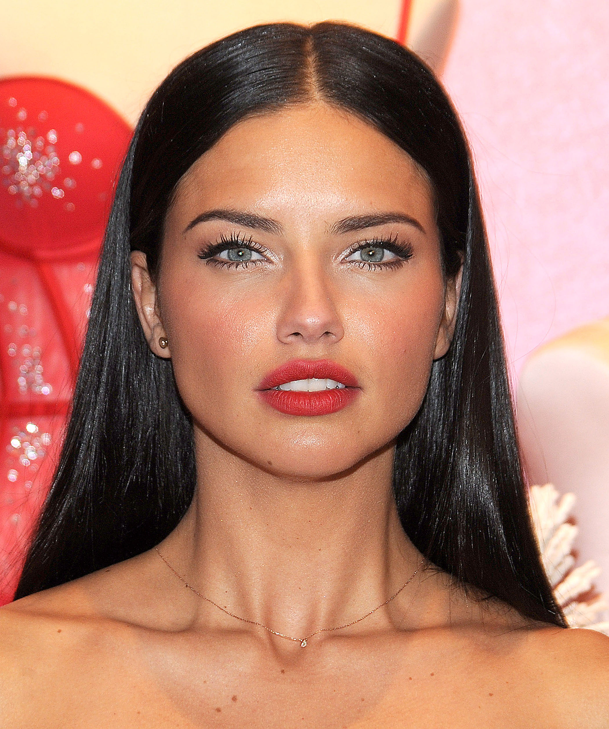 Adriana Lima: Adriana Lima's Face Is Beyond Perfect Mayne Dammmnnn