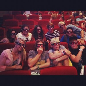 R5 and Austin and Ally Cast at sinema