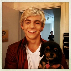 Ross/Austin and Pixi