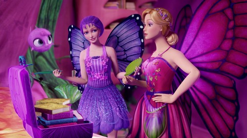 Barbie Movies wallpaper probably with a bridesmaid, a dinner dress, and a gown titled Barbie Mariposa And The Fairy Princess