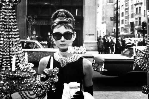 Breakfast At Tiffany's wallpaper containing sunglasses and a street entitled Breakfast at Tiffanys