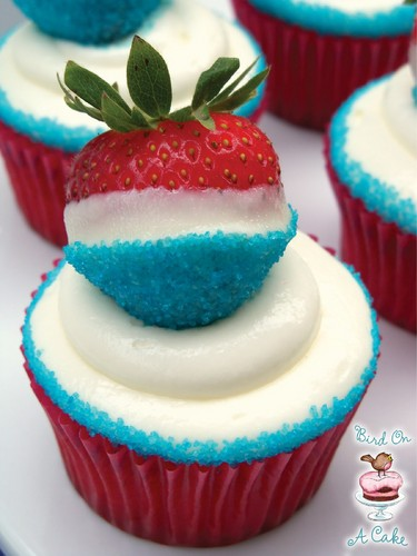 Cupcakes wallpaper with a cupcake, a frosted layer cake, and pancakes titled American Flag Cupcakes