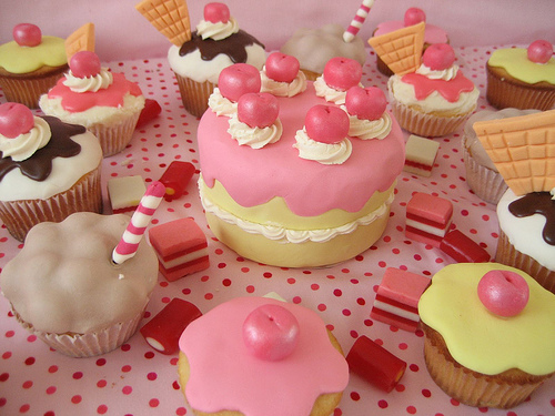 Cupcakes wallpaper containing a cupcake entitled Cute Cupcakes