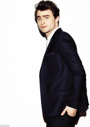 New pics of Daniel Radcliffe