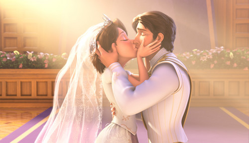 Disney Princess پیپر وال titled happily ever after kiss