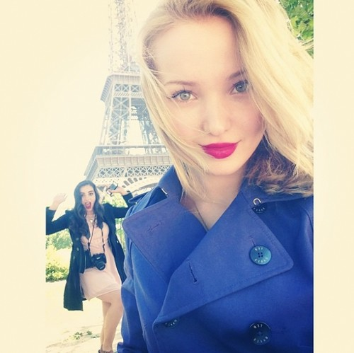 Dove Cameron wallpaper called Dove and Bestfriend