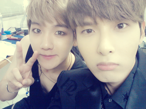 Baekhyun with Super Junior Ryeowook