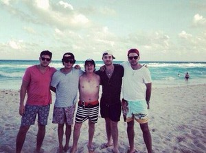 Ed Westwick in Mexico (Dec 2013)