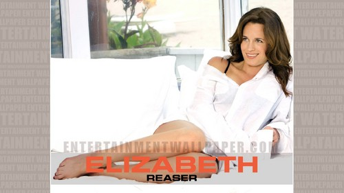 Elizabeth Reaser wallpaper possibly with a bathrobe and a portrait entitled Elizabeth Reaser Wallpaper