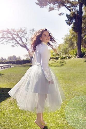 Emilia Clarke fond d'écran entitled Photoshoot