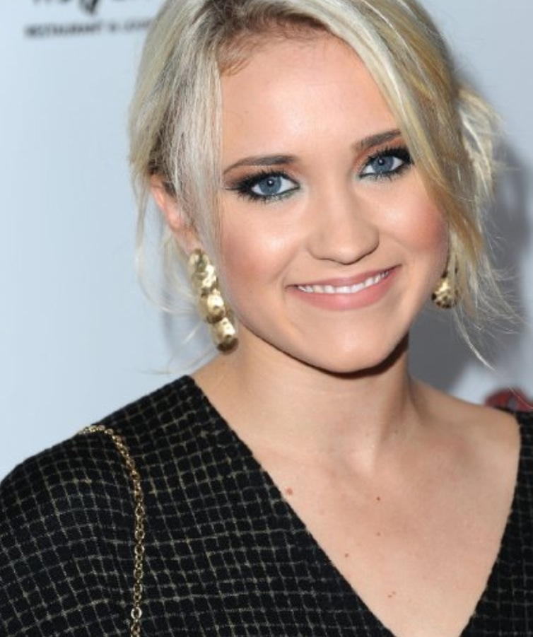 Emily osment emily osment photo 36368002 fanpop