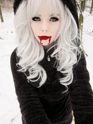 ira, vampira, emo, girl, scene, queen, make up, hair, pastel goth, gothic, cosplay, anime, manga, wh