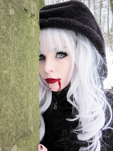 Emo wallpaper entitled ira, vampira, emo, girl, scene, queen, make up, hair, pastel goth, gothic, cosplay, anime, manga, wh