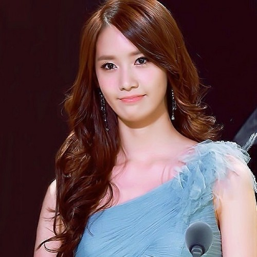 Im yoonA fond d'écran probably with a portrait called Yoona Beautiful ^^