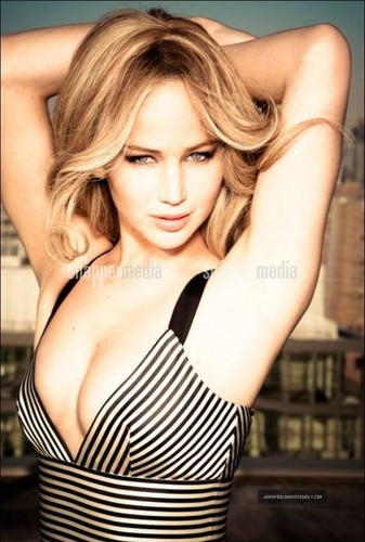 Jennifer Lawrence wallpaper with a portrait called Vanity Fair (February, 2013)