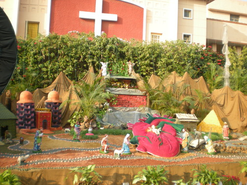 Jésus fond d'écran probably containing a bonsai, a window box, and a flowerbed called Beautiful decoration on chritmas