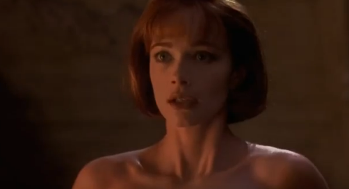Lauren Holly Sexy 111