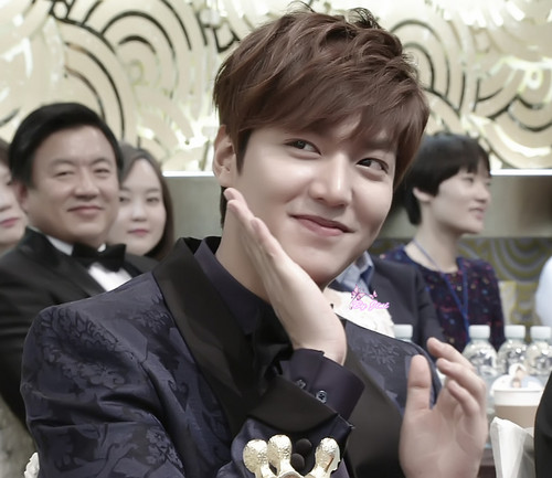Lee Min Ho wallpaper entitled Lee Min Ho at the SBS Drama Awards