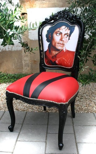 Michael Jackson wallpaper probably with a throne titled Antique Thriller Chair