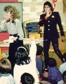 Michael Visiting An Elementary School In Cleveland, Ohio - michael-jackson photo