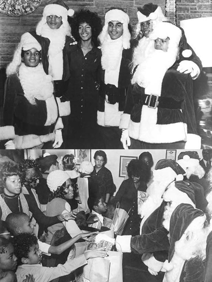 The Jackson 5 Dressed As Santa Claus