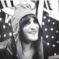 Noel in a hat - noel-fielding photo