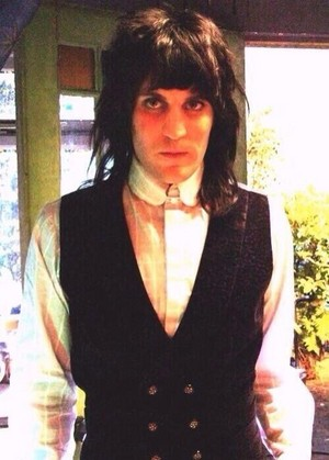 Smartly dressed Noel