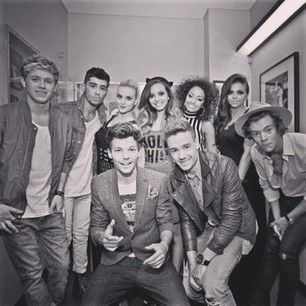 One Direction پیپر وال containing a green beret, وردی, فتاگیس, جنگ کا جوڑا, and جنگ لباس entitled One Direction and Little Mix♥