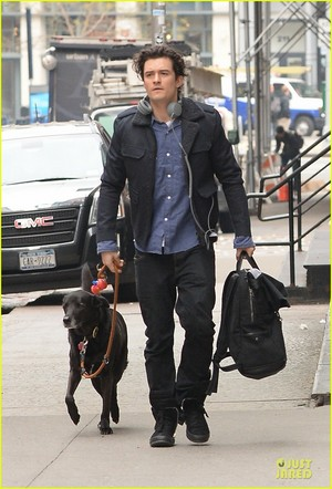 Orlando Bloom Back in NYC After 'Hobbit' Hollywood Promo