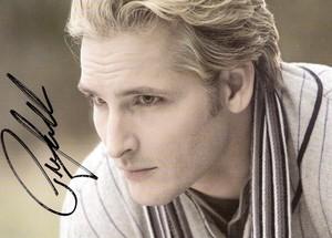 Peter Facinelli as Carlisle Cullen