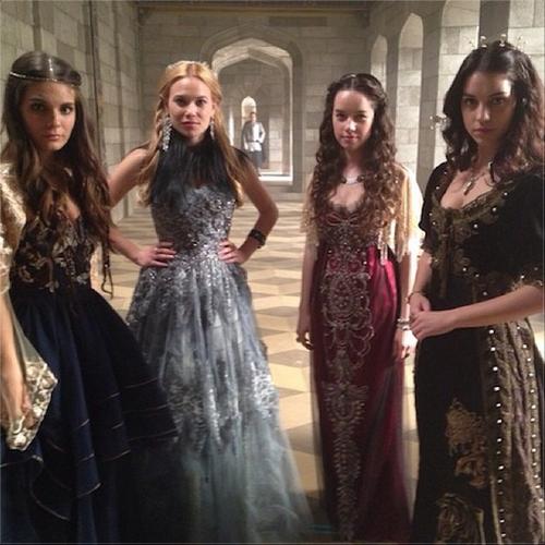 Reign/Ladies.