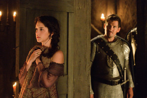 Reign Episode 1.09 - For King and Country - Promotional Photo