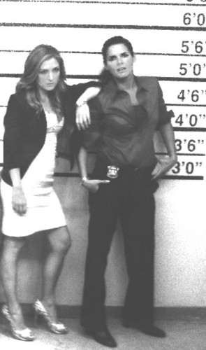 Rizzoli & Isles Обои probably containing bare legs, a hip boot, and a sign entitled jane rizzoli and maura isles