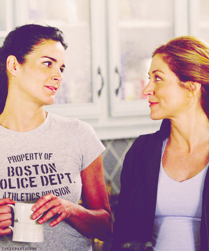 Rizzoli & Isles wallpaper containing a jersey titled jane rizzoli and maura isles