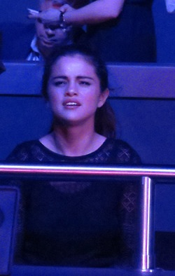 Selena at a Britney Spears concerto (December 27)