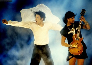 स्लैश and MJ