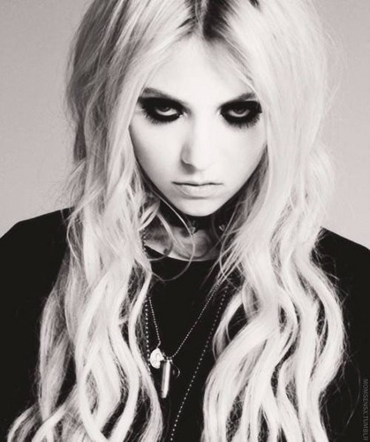 taylor momsen wallpaper called Taylor Momsen