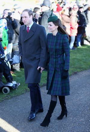 The Royal Family Attends navidad día Service