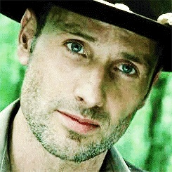 The Walking Dead karatasi la kupamba ukuta with a fedora, a porkpie, and a boater entitled Rick Grimes