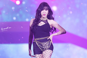 SM WEEK - Tiffany
