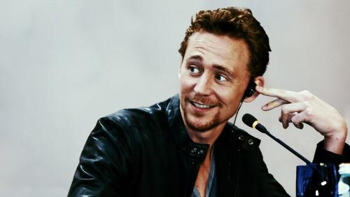 Tom Hiddleston wallpaper called Tom