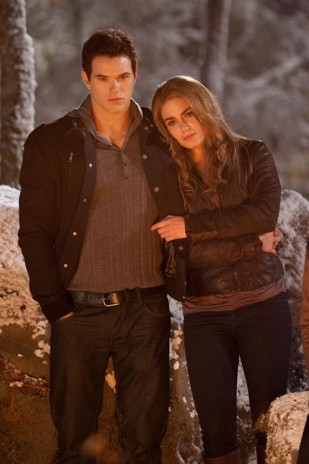 Emmett and Rosalie - Twilight 4ever Photo (36303598) - Fanpop  Emmett and Rosa...