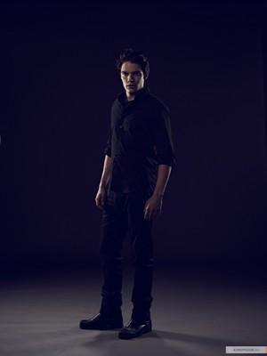 Vampire Academy new promo stills