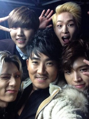 Sandeul, Hyunseung, Woohyun, Onew, Lee-Seung-Chul