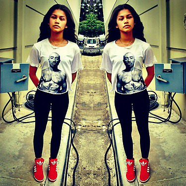 Zendaya Coleman wallpaper entitled Zendaya 2Pac Shirt