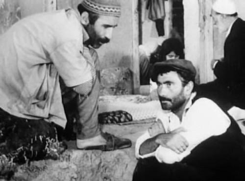 Турецкое кино Обои possibly containing an abattoir and a boater called tuncel kurtiz and yılmaz güney