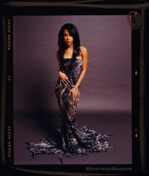 Happy 35th Birthday Aaliyah! ♥ Thanks to Jonathan Mannion for another rare piece! ♥