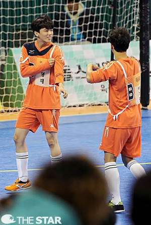 B.A.P at MBC Idol Championship (140113)