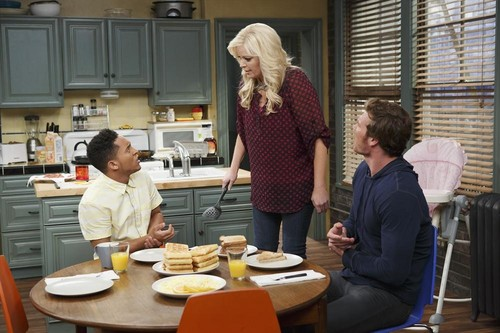 Episode 3.01 - The Naked Truth - Baby Daddy تصویر