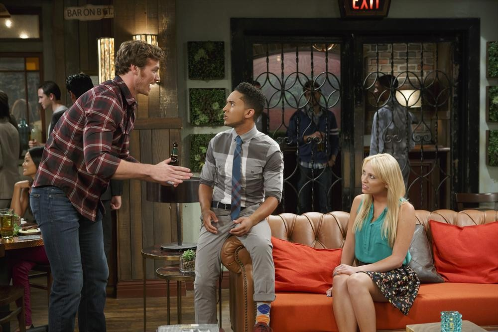 Episode 3.01 - The Naked Truth - Baby Daddy Photo